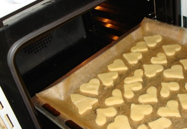 How to Prepare Cookie Sheets