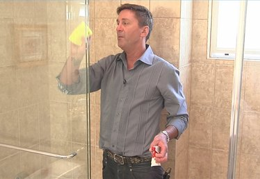 How to Remove Lime Scale From Shower Doors