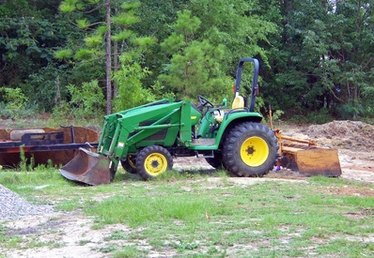 John Deere 650 Tractor Specifications