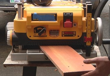 How to Use a Portable Surface Planer