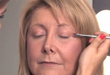 How to Apply Eye Makeup Over 40