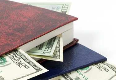 6 Ways to Save on College Textbooks
