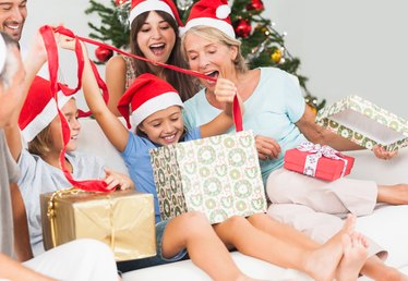 5 Ways to Celebrate the Holidays Without Breaking the Bank