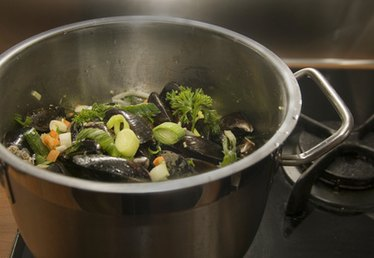 How to Seal an Aeternum Pressure Cooker