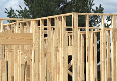 Advantages of Framing With 2x8 Lumber