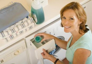 How to Research Which Detergent Breaks Up Oil the Best