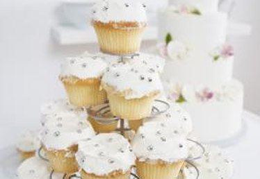 Decorating Ideas for Buttercream Frosted Cupcakes