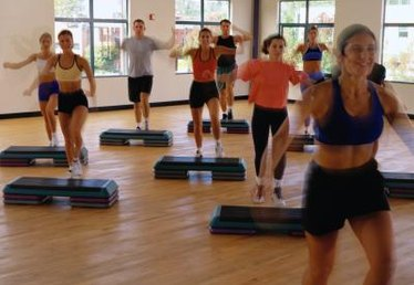 What Is a Basic Hop Up in Aerobics Exercise?