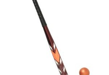Differences Between Indoor & Outdoor Field Hockey Sticks