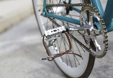 How to Install Bike Pedals