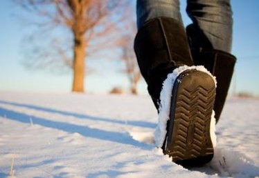 How to Keep Sweaty Feet Warm in Cold Weather