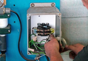 How to Change a Circuit Breaker to Increase Amperage