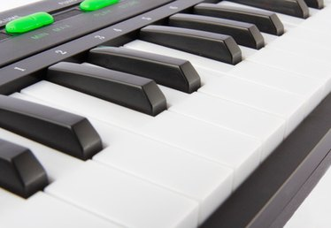 How to Learn to Play an Electric Piano Keyboard