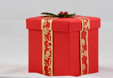 How to Do it Yourself: A Big Gift Box