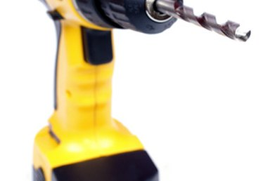 How to Tighten a Dewalt Cordless Drill Clutch