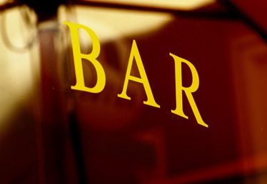 Things You Need to Know to Open Up a Bar