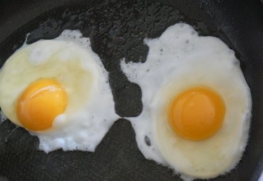 How to Cook Eggs on a Gas Stove