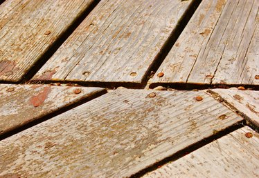 How to Waterproof & Stain a Deck