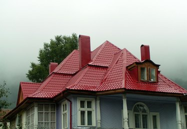 Exterior Paint Styles for a Red Roof
