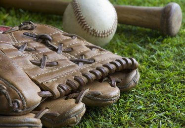 How to Make a Baseball Field Diorama Out of a Shoebox