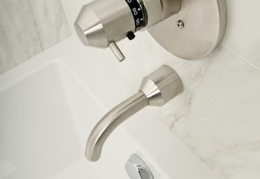 No Hot Water From a Tub Faucet Diverter