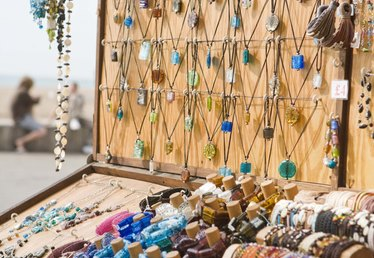 Ideas for Setting Up a Jewelry Craft Show Table