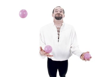 How to Juggle 4 Balls
