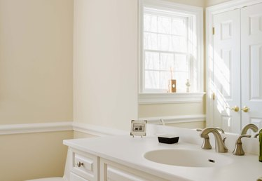 What Sheen of Paint to Use in Bathroom