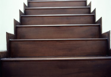 Ideas for Easy Ways to Refinish Wood Stairs
