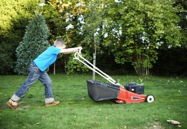 How to Set Your Fee for Lawn Service