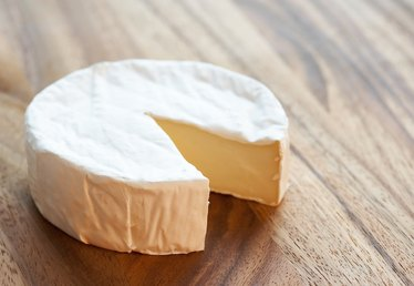 How to Remove Paper From Brie