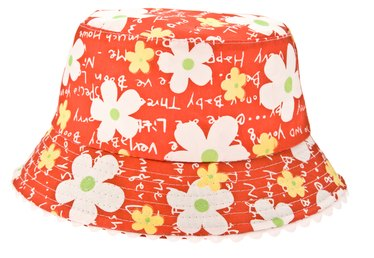 How to Make a Sun Hat Out of Fabric