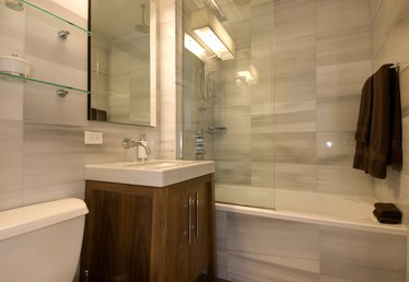 Shower and Tub Ideas for a Small Bathroom