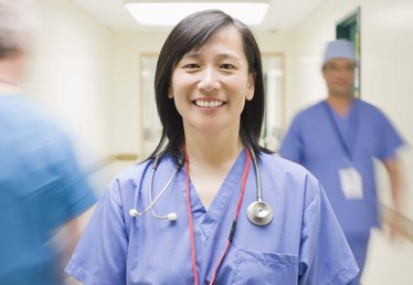 Advantages & Disadvantages of Being a Registered Nurse