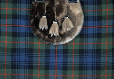How to Make Scottish Costumes