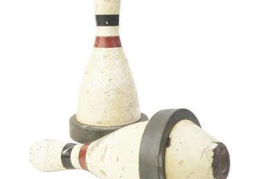 How to Decorate Bowling Pins