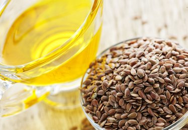 Flaxseed Oil Benefits & Side Effects