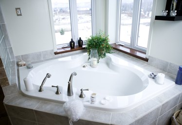 Dimensions of Corner Bathtubs