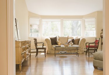 How to Cut Laminate Flooring for a Bay Window Area
