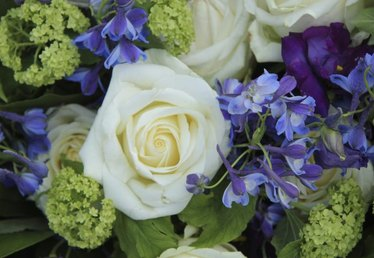 How to Use Filler Flowers in Floral Arrangements