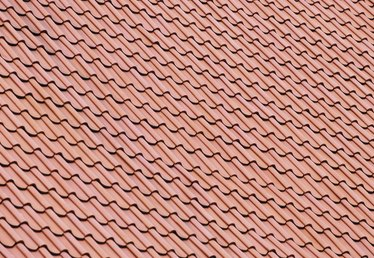 How to Put Shingle Bundles on the Roof
