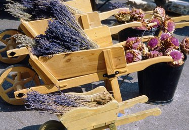 How to Build a Wooden Wheelbarrow Flower Cart