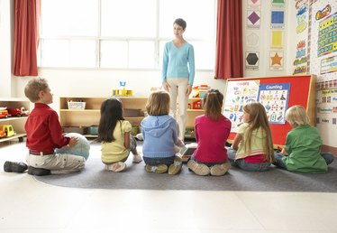 How to Become a Special Education Teacher's Aide