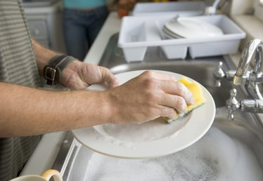 How To Keep Soft Hands after Washing Dishes with Hot Water