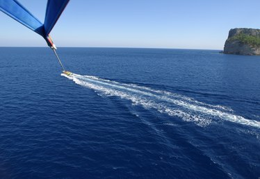 How to Start a Parasailing Business