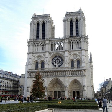 Notre Dame is perhaps the best-known monument of the 5th arrondissement.