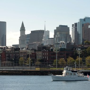 The Boston Harbor is within walking distance of several hotels that offer swimming pools.