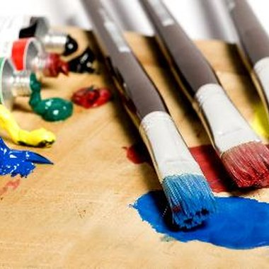 Learn the benefits of mixing and working with acrylic paint.