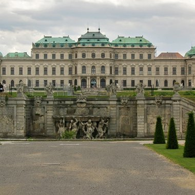 The Belvedere Palace exemplifies Vienna's antique architectural style.