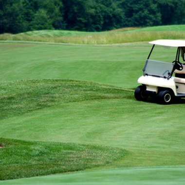 Suburban Chicago hotels offer a closer proximity to golf courses than those in the city.